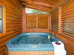 Hot tub ...secluded back porch