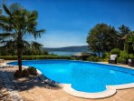 Family Holiday in Villa upon lake in countryside of Rome