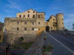 L'ingresso del borgo di Torrita Tiberina.