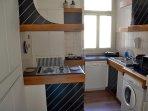 KITCHEN WITH DISHWASHER AND WASHING MACHINE