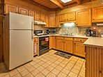 Prepare a hearty breakfast or homemade dinner in this fully equipped kitchen.