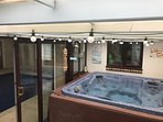 Our delightful hot-tub - normally heated to 38 degrees!
