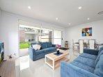 VILLA BELFIELD 366A - SYDNEY Brand New, 5Bdrm Townhouse, Linen included