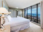Master King Bed With Stunning Ocean Views And Private Lanai