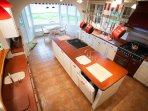 Kitchen, Wet Bar, and Breakfast Nook