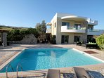 Villa Lagada with your own pool, pergolas and very large patio