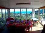 Salle repas, vue mer et montagne !