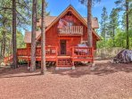 A relaxing retreat awaits you at this 2-bedroom, 2-bathroom vacation rental house which sleeps 6 in Pinetop.