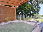 Enjoy The Hot Tub With Lake Views Off The Master Bedroom.