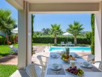 Enjoy your breakfast by the pool!