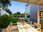 Outdoor dining area to enjoy your meals!