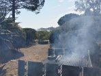 Barbecue en gardant le yeux sur la superbe baie de Pinarello