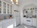 Full kitchen for your enjoyment.