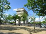 This apartment is located on a quiet street two steps away from the avenue des Champs Elysées.