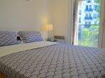 Bedroom queen sized double bed