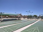 Utilize the numerous sports courts!