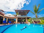 Superb 4 bed villa with large infinity pool, Ocean and sunset views