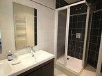 En suite shower room with 2 wash basins