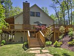 This beautiful cottage is located in the luxury home community of Forest Cove Getaways