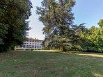 gorgeus park around the main Villa