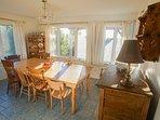 Dining room - seats 10+