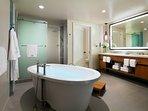 Ensuite master bathroom with Westin Heavenly Bath.