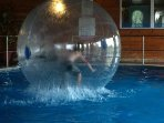 Great  pool activities for kids   .....  free of charge