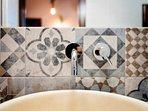 Un dettaglio del lavandino del bagno