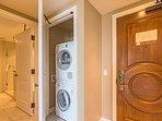 Konea 831 includes an en-suite washer/dryer, free wifi, and free beach gear