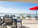 terrasse  vue panoramique sur le lac