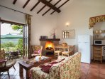 Country house at lake near Rome with garden and  pool to share