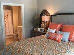 Queen guest bedroom with en-suite bath
