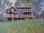 Escape to this spacious Sapphire vacation rental cabin.