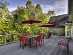 A memorable mountain retreat awaits you at 'Country Cape,' a 4-bedroom, 2.5-bathroom vacation rental house which sleeps...
