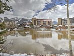 This cozy 2-bedroom, 3-bathroom condo is conveniently located in the center of the Copper Mountain Resort.