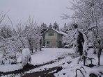 Maison une journée d'hiver (arrivée acacia, parking)