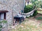 hamaca en el jardin pequeño