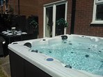 Canadian Spa Hot-Tub seats 6 people