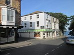 EXCELLENT  NEWLY REFURBISHED  ACCOMADATION WITH  GREAT  LOCATION   SLEEPS 10
