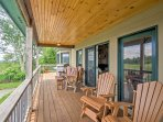 The deck offers stunning views and a stainless steel barbecue.