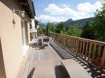 Terrasse spacieuse , équipée barbecue parasol etc.., 40 m2 vue imprenable