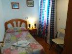 Dormitorio individual con opción + cama supletoria
