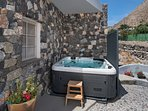 Comfortable external jacuzzi in Villa Myth