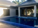 Infinity pool & swim up pool bar 'Splash'