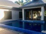 Infinity pool & swim up pool bar 'Splash'