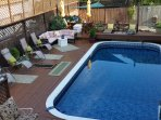 Murray house Bed & Breakfast swimming pool and sunning deck.