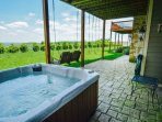 Private hot tub with stunning views!