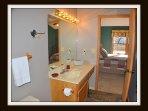 Jacuzzi Tub / Shower on main floor