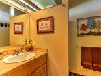 The master bedroom also has an en suite bathroom.