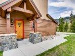 Building,Cottage,Yard,Hut,Shelter